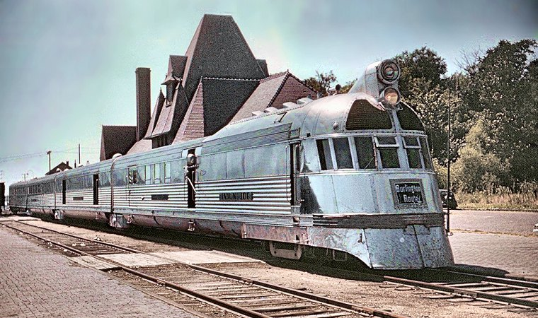 Mark Twain Zephyr at Keokuk, 1949